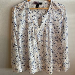 Peck & Peck Blue and White Light Weight Top